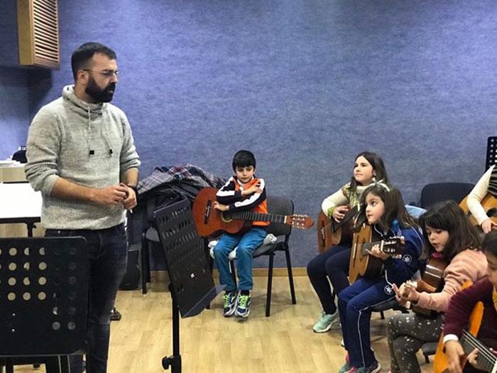 Fernando Cañestro, Escuela de Música de la A.M. Vera Cruz de Campillos